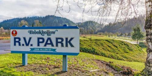 Brookhollow RV Park Sign